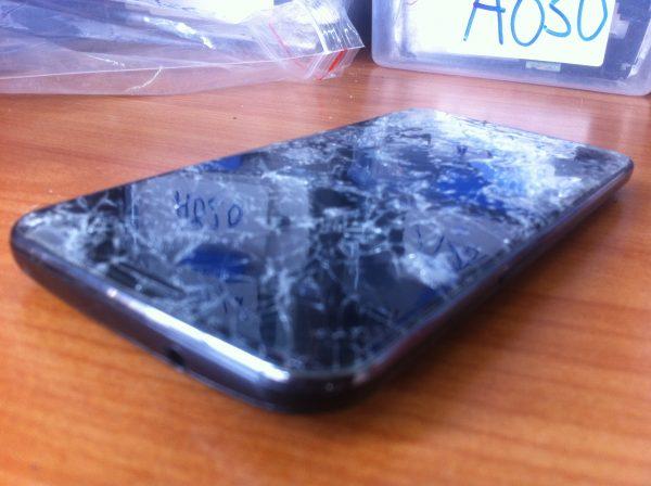 Màn hình Samsung J6 bị va đập cần phải thay mới
