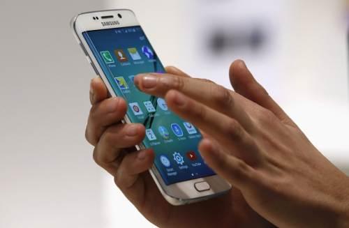Sửa lỗi liệt cảm ứng Samsung A8 / A8 Plus