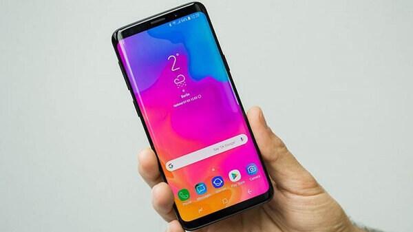 Samsung S11 Thay Mat Kinh1