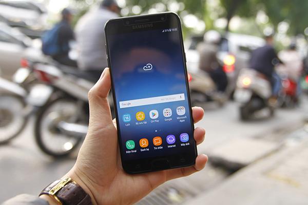 Thay Man Hinh Samsung C8(2)