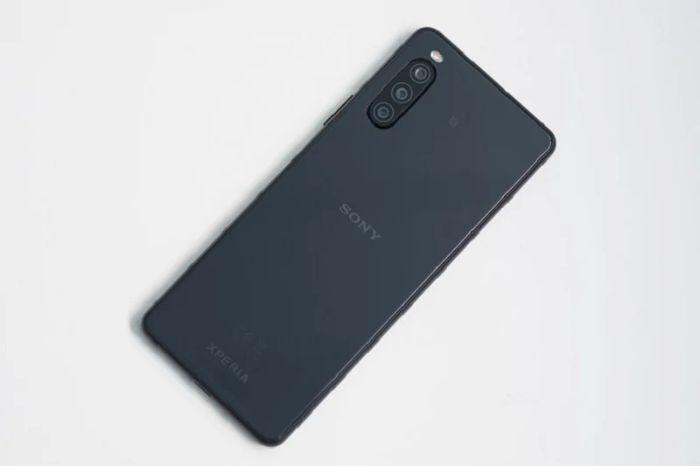 Thay Kinh Camera Sau Sony Xperia 10 Ii 1